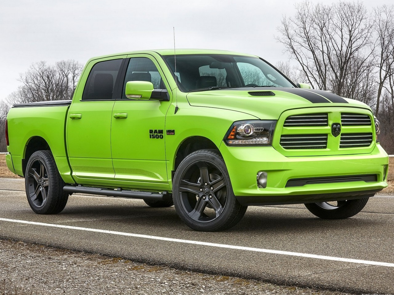 dodge ram 1500 sublime sport 2017 sport et rebel bleu photoscar. Black Bedroom Furniture Sets. Home Design Ideas