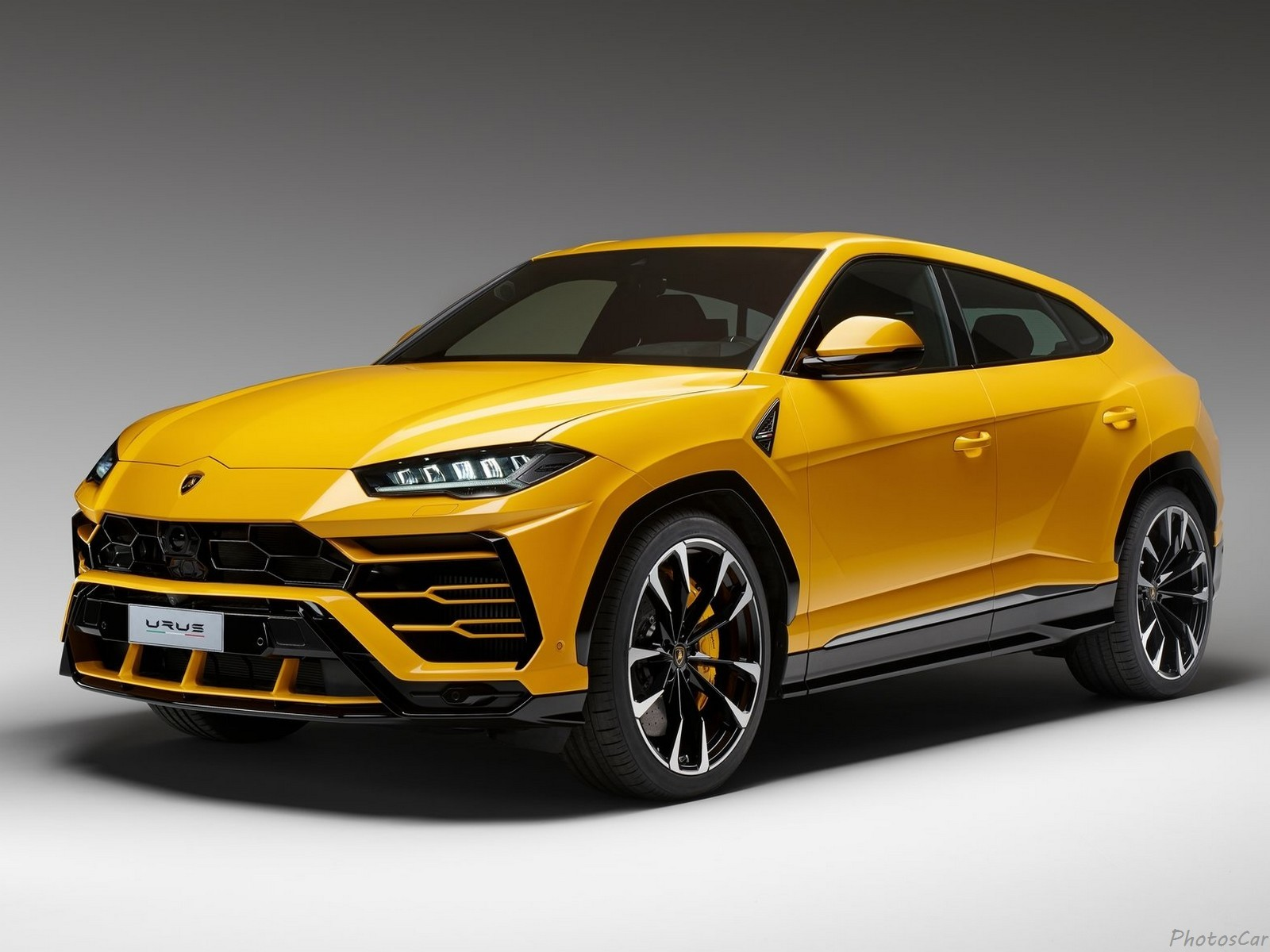 la nouvelle lamborghini urus 2019 le suv le plus rapide du moment. Black Bedroom Furniture Sets. Home Design Ideas