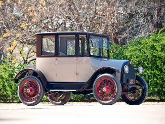 1920 Detroit Electric Model 82
