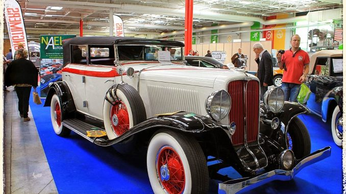 Salon Automédon - 1932 Auburn Eight Sedan Convertible