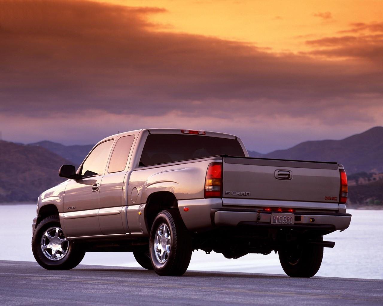 2004 GMC Sierra