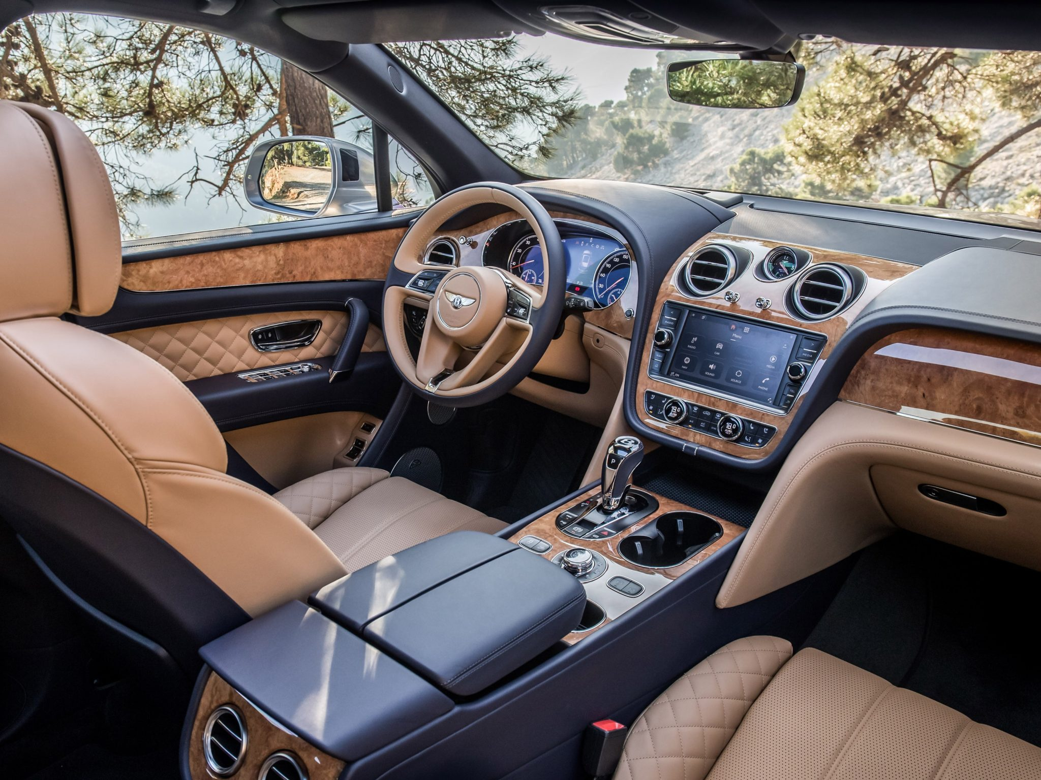 Bentley Bentayga 2016 [03]