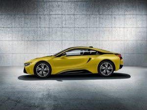 BMW i8 Protonic Frozen Yellow 2018