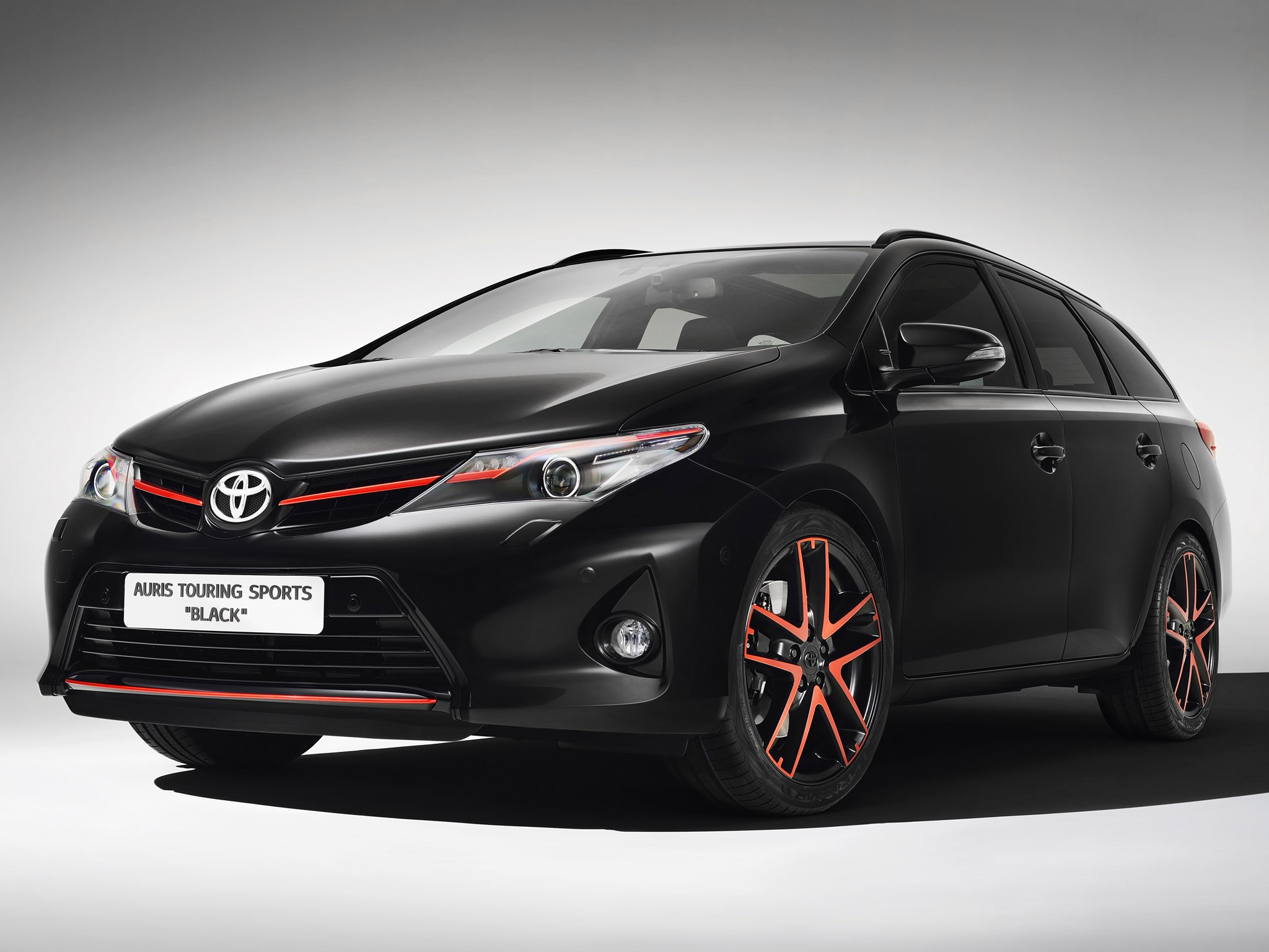 2013 Toyota Auris Touring Sports Black
