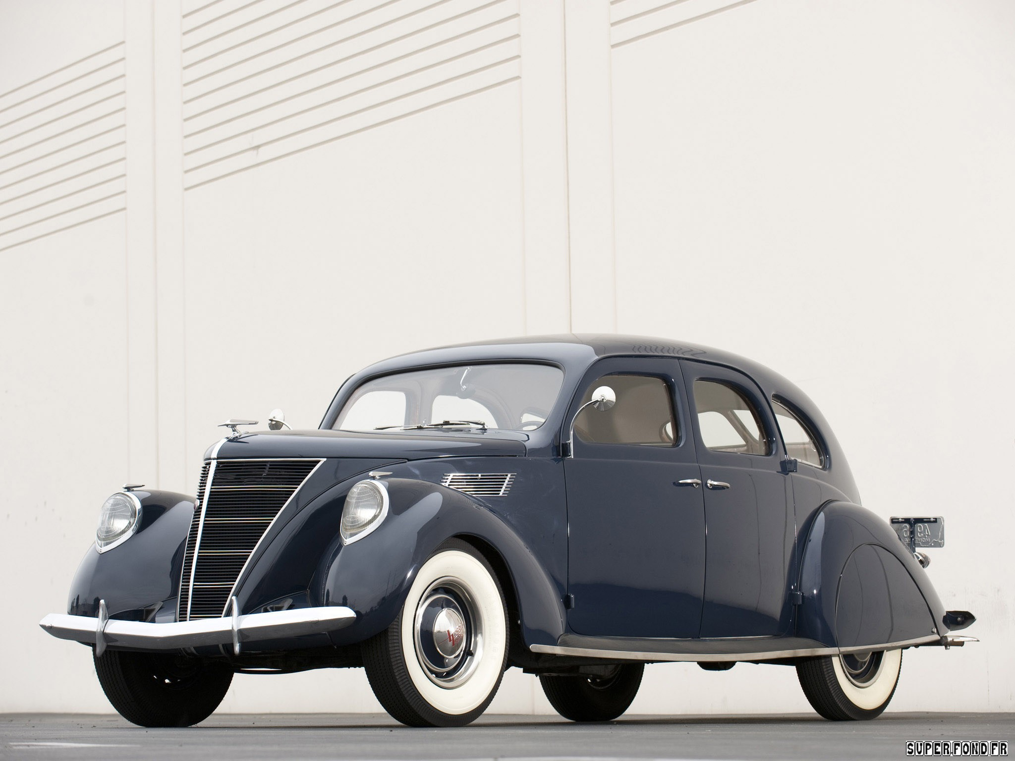 1936 Lincoln Zephyr Sedan