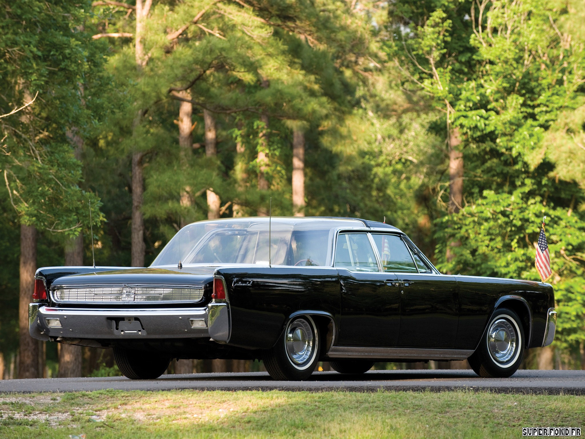 1962 Lincoln Continental Bubbletop Kennedy Limousine