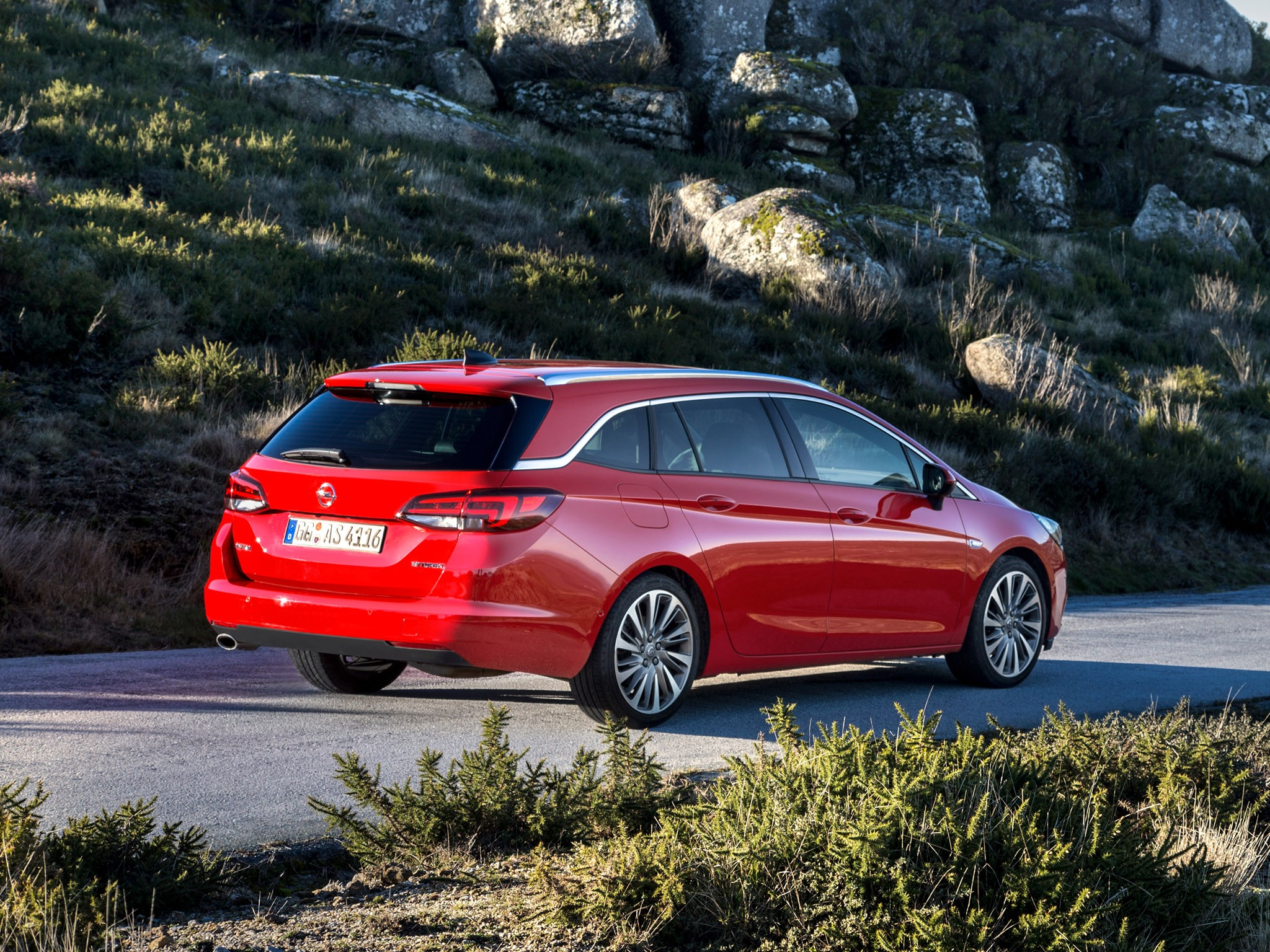 2016 Opel Astra Sports Tourer Biturbo