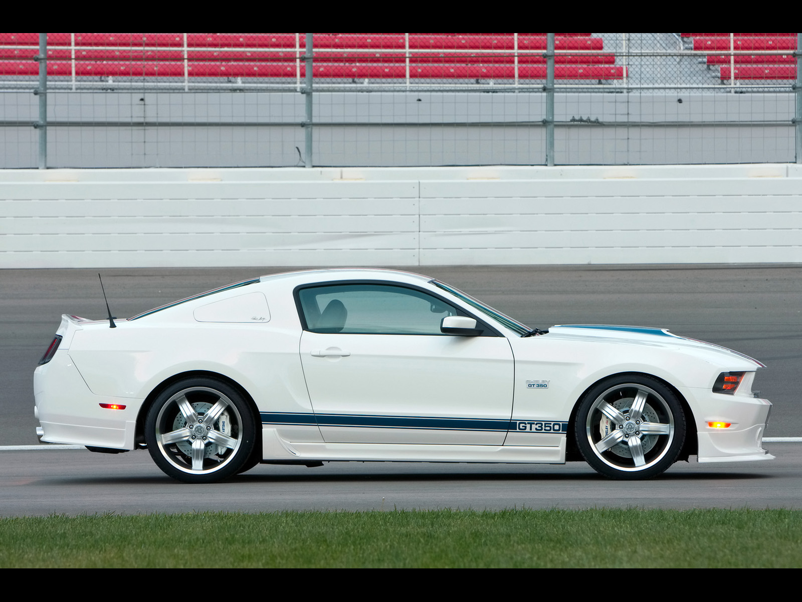 2011 Shelby Mustang GT 350
