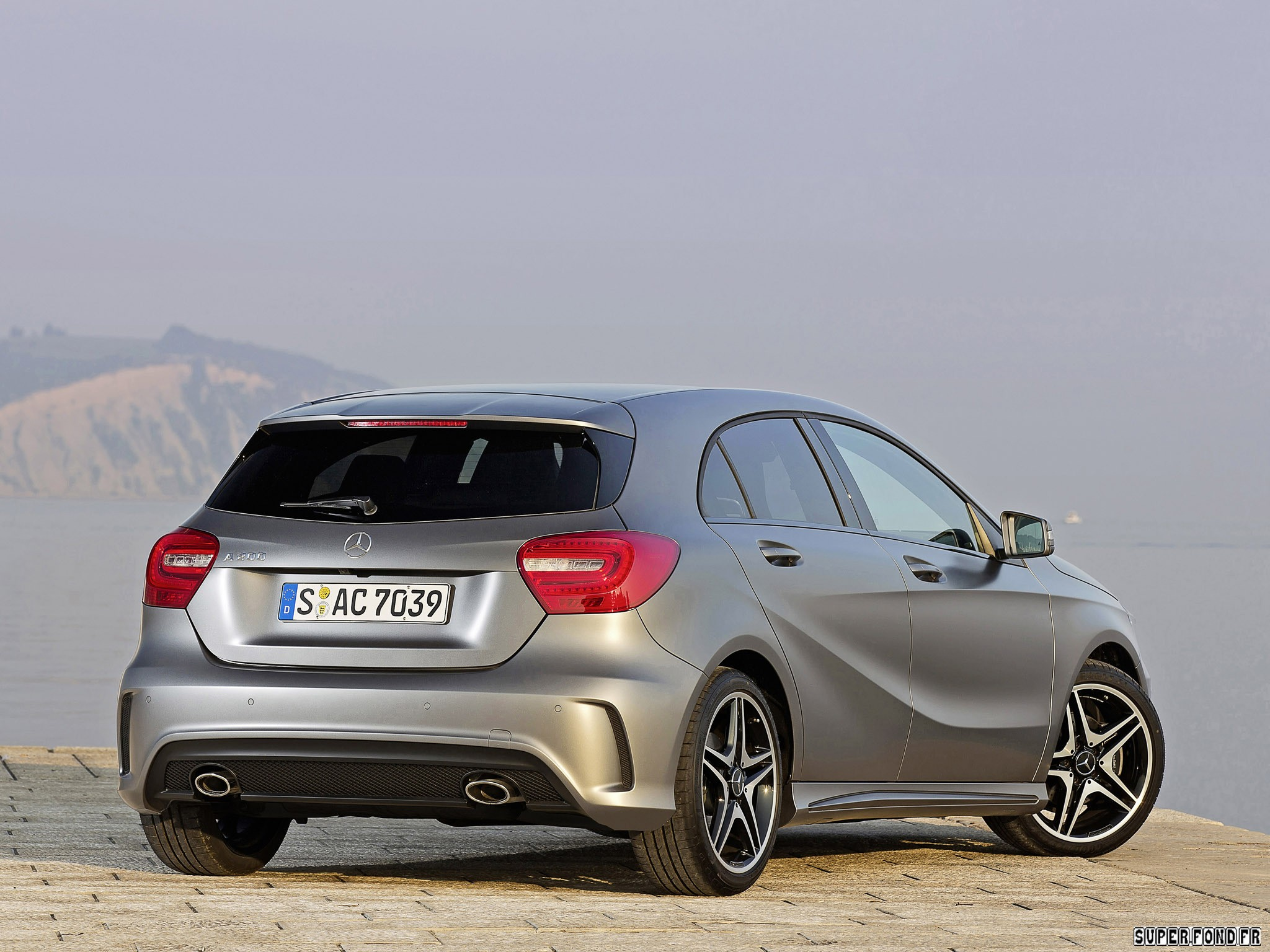 2012 Mercedes A Klass a200 Style Package W176