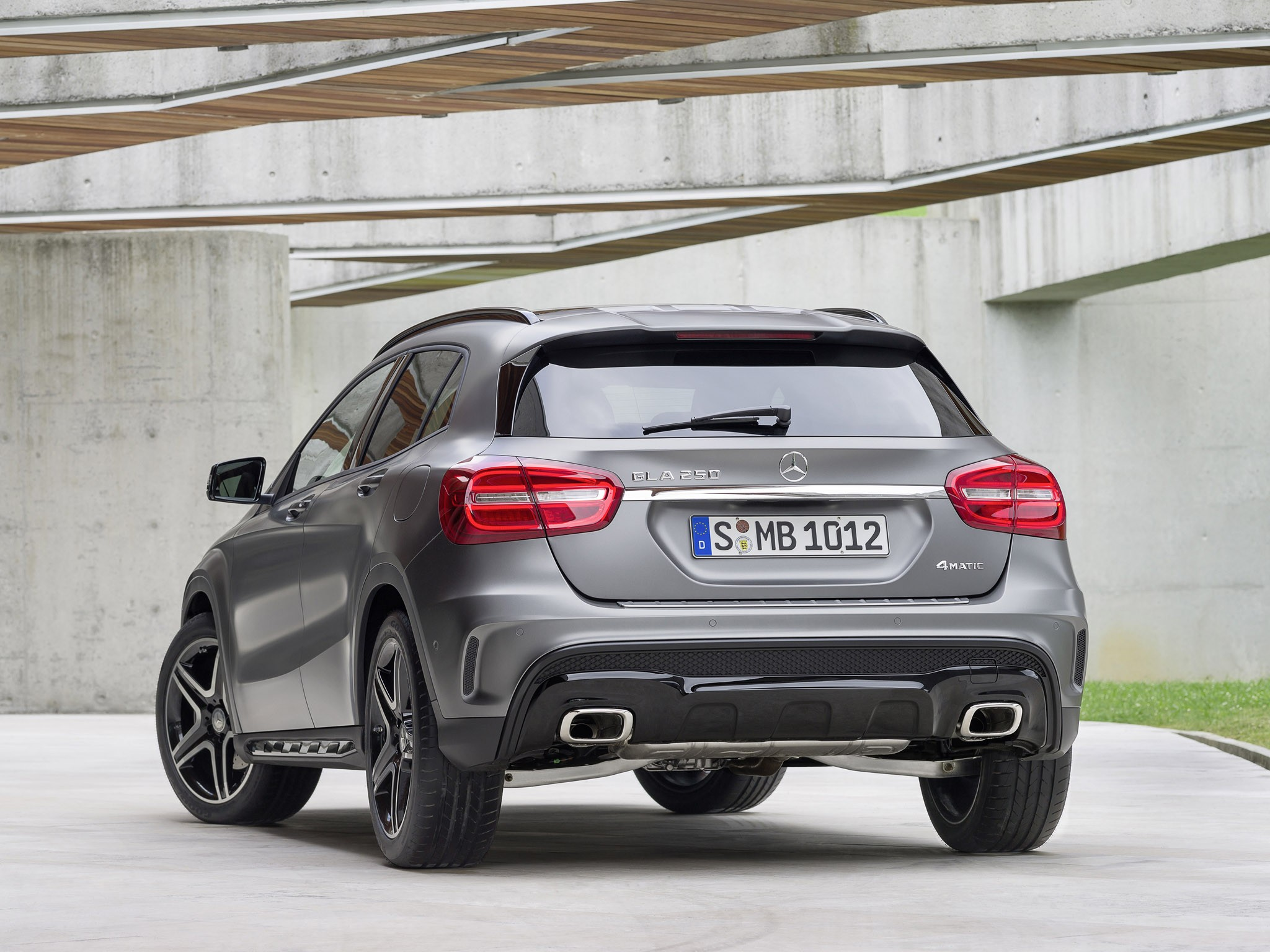 Mercedes-AMG GLA250 4matic Sport Package X156 2014