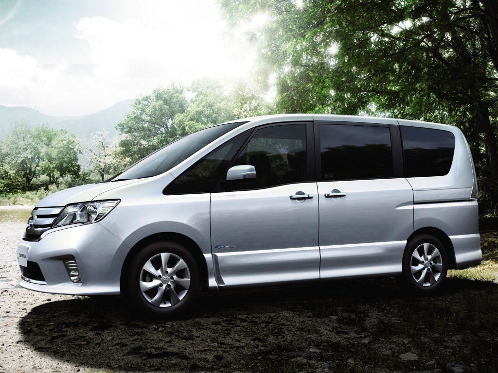 2012 Nissan Serena Highway Star S Hybrid C26