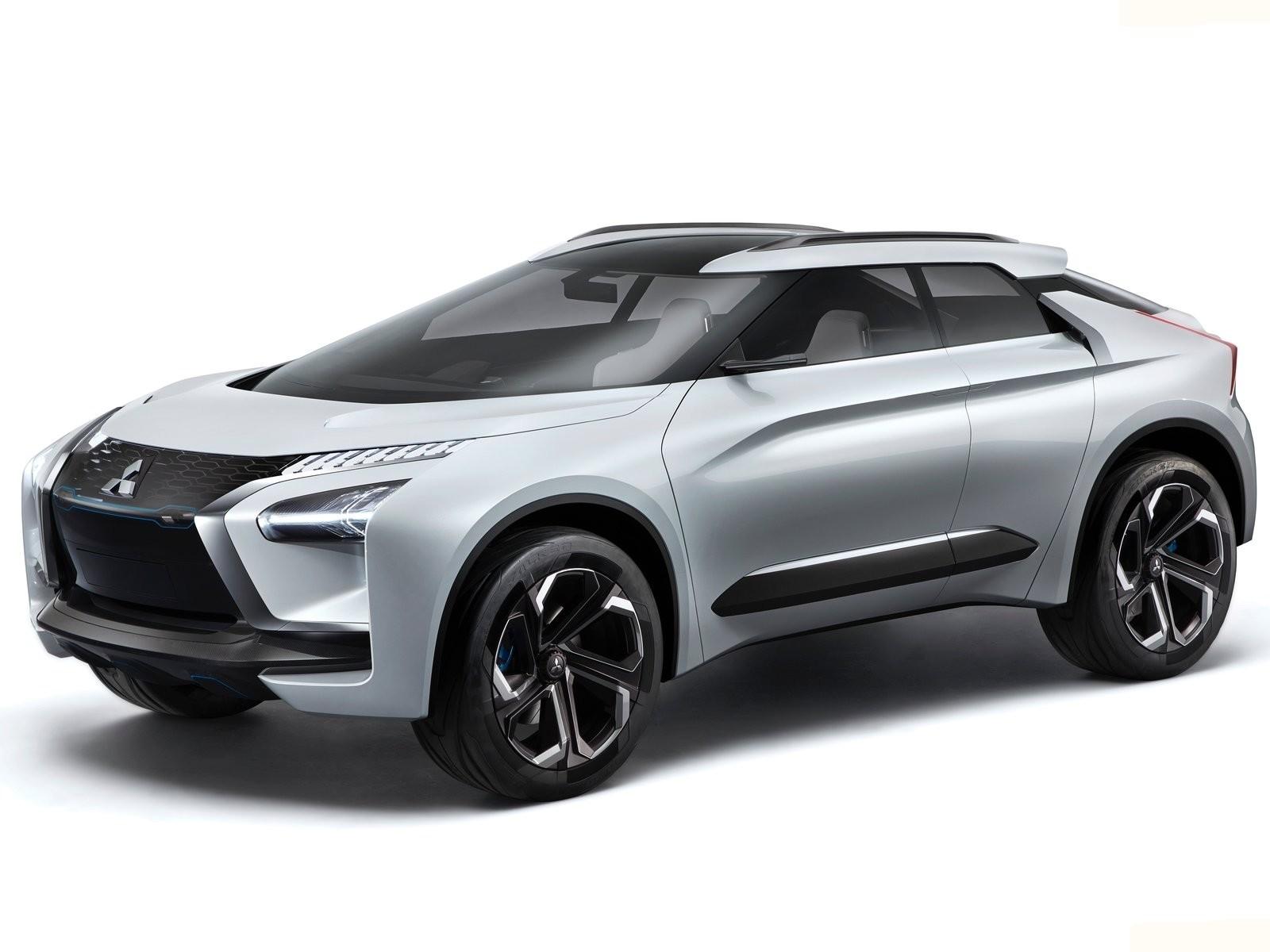"""Mitsubishi e-Evolution 2017: Un look futuriste, proche de la """"Batmobile"""""""