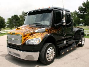 2011 Strut Freightliner M2 Sportchassis Grille Collection