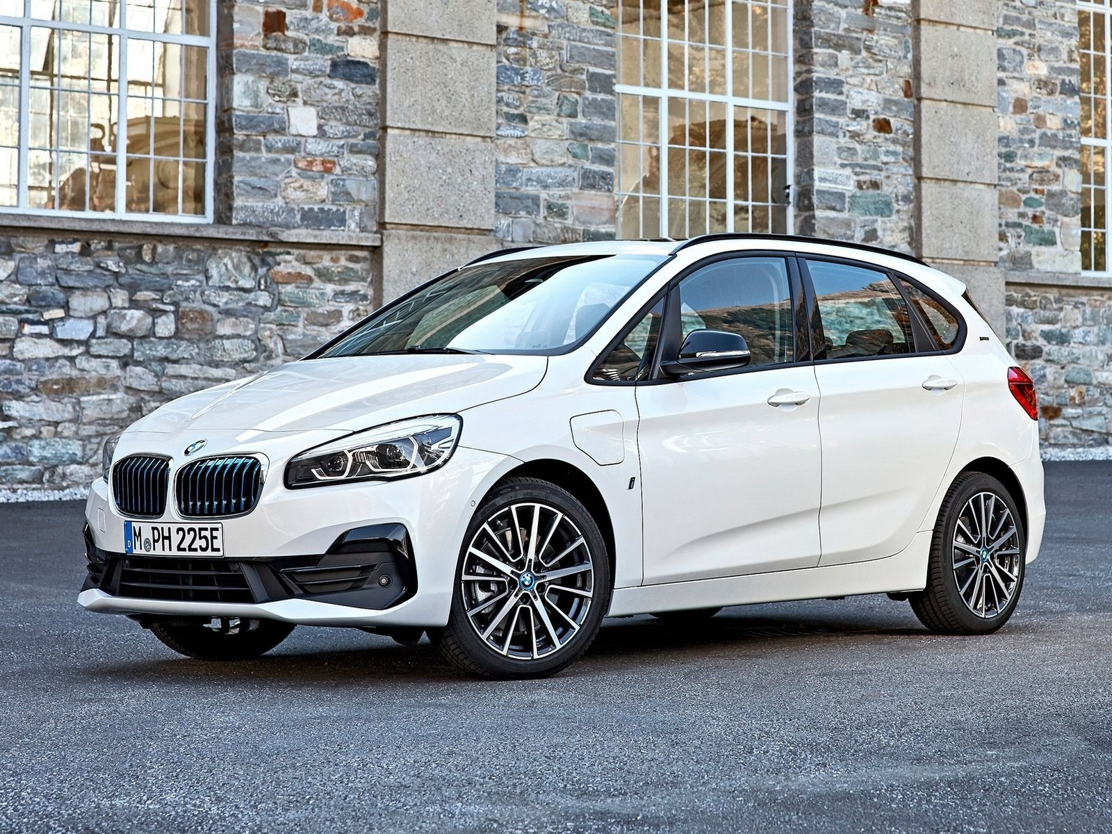 BMW 225xe iPerformance 2019: Modèle hybride rechargeable