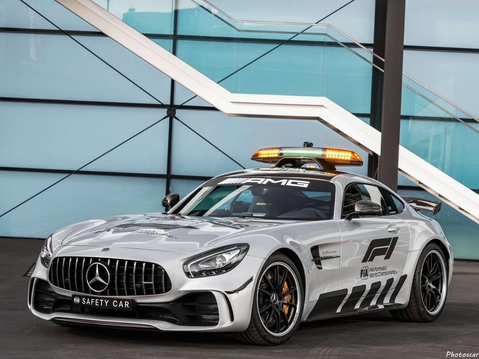 mercedes amg gt r f1 safety car 2018 la plus puissante. Black Bedroom Furniture Sets. Home Design Ideas