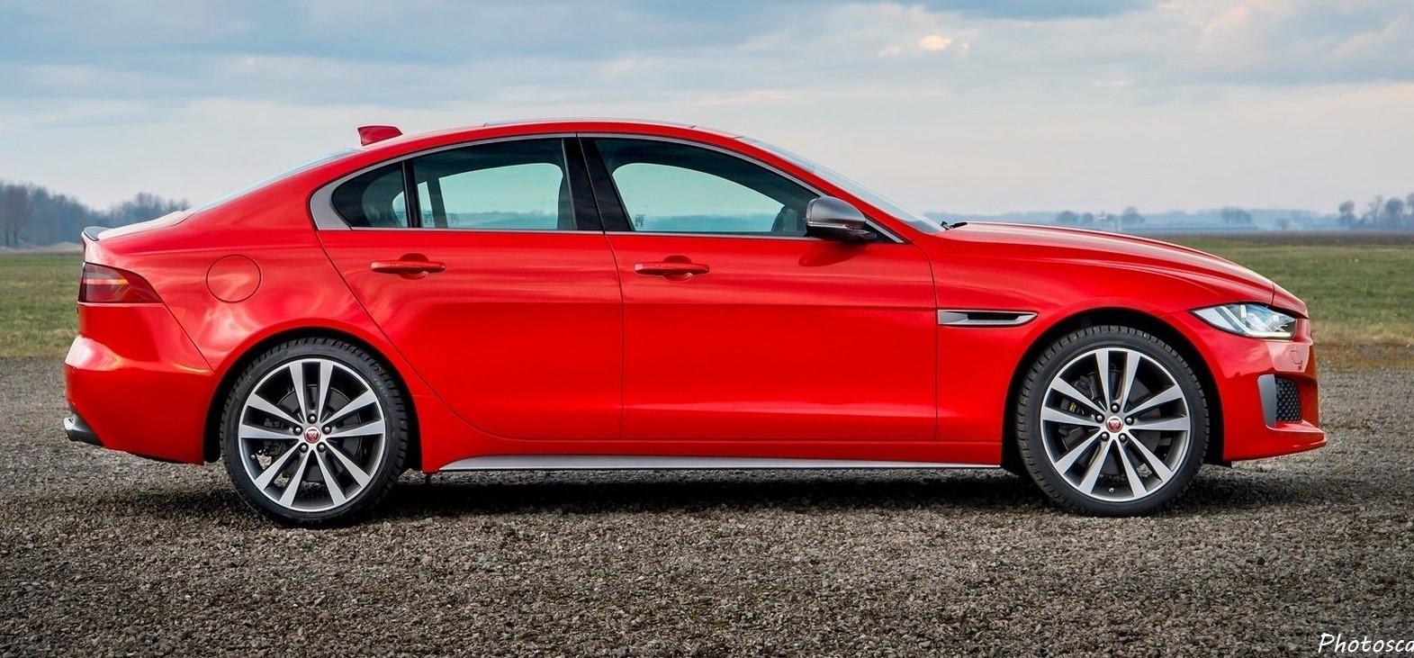 Jaguar XE 300 Sport 2019: Moteur turbo de 2,0 litres de 296 chevaux