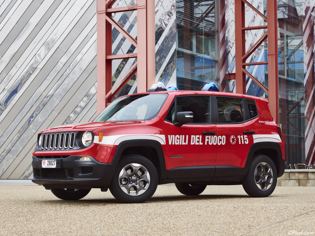 jeep renegade sport 2018 pour les pompiers italien photoscar. Black Bedroom Furniture Sets. Home Design Ideas