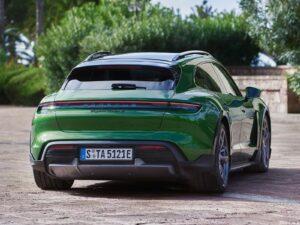 Porsche Taycan Turbo S Cross Turismo 2022